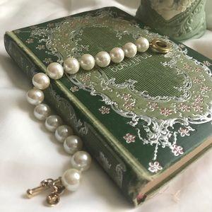 Vintage Pearl Carolee Bracelet